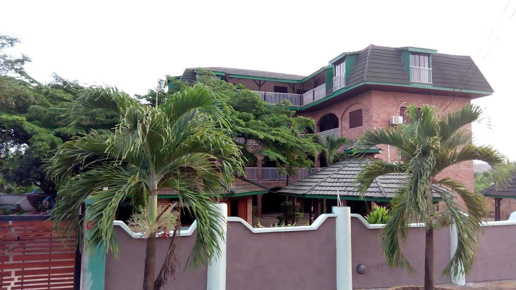 Rojo Hotel